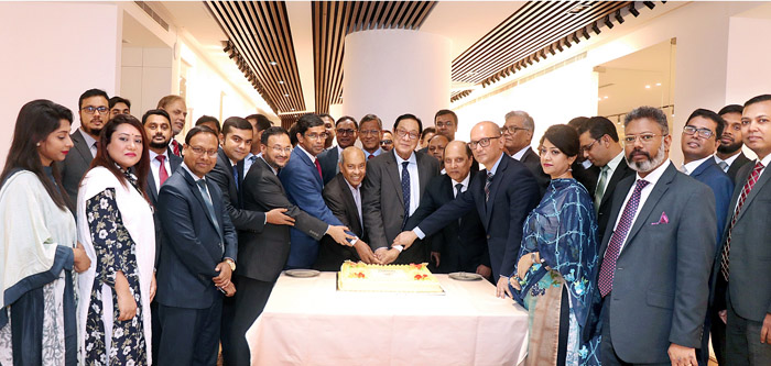 Celebrating the achievement of 1000 crore deposit in Agent Banking